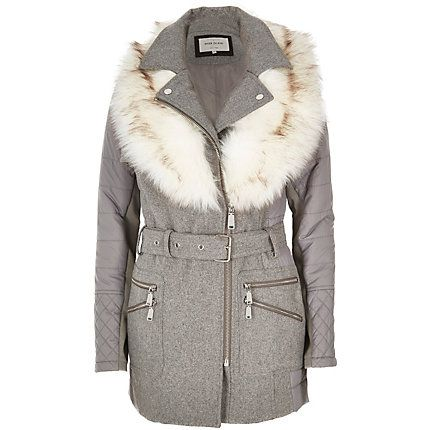 Grey faux fur collar padded coat 120,00 €