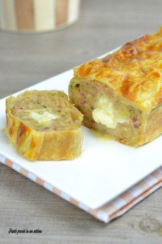 Il polpettone in crosta con ripieno filante è un secondo piatto ricco di gusto e di sapore; è perfetto da servire in mille occasioni.