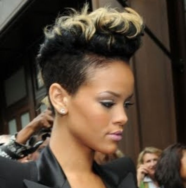 Best Black Natural Short Hairstyles For Women In 30s