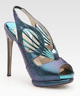 Nicholas Kirkwood - this shoe looks like an alien. In a good way.