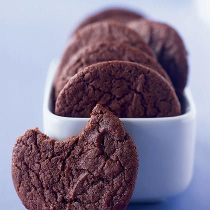 Cocoa Fudge Cookies Recipe: little sugar and no eggs, 100 calories each!