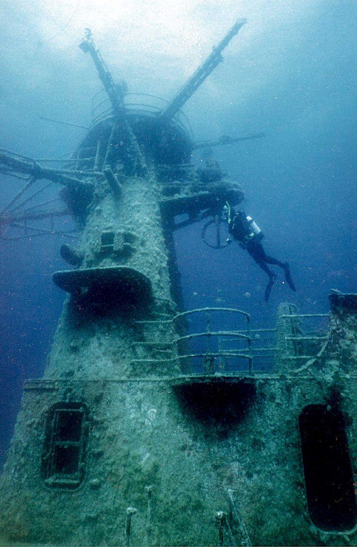HMAS Swan dive wreck in Dunsborough near Perth, Australia.