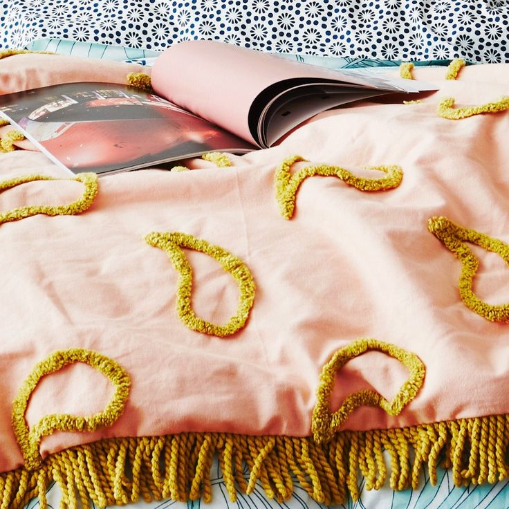 Tufted Paisley Quilted Blanket with Corded Fringing