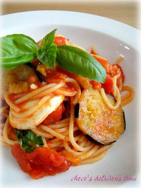 トマトと茄子とモッツアレラチーズのパスタ