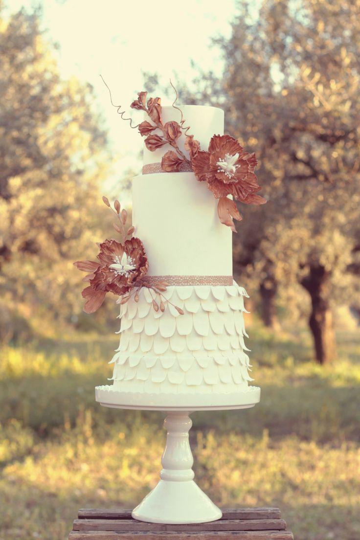 Art Nouveau Wedding Cake  #cake #weddingcake #ledouxcollage #fondant #vintagewedding #sugarflower #sugarcraft  Contact Us ledouxcollage@gmail.com www.facebook.com/ledouxcollage