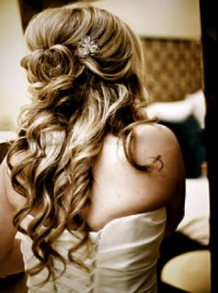 #Long wedding hair has small pin with bowed tendril on side... Budget wedding ideas for brides, grooms, parents & planners ... https://itunes.apple.com/us/app/the-gold-wedding-planner/id498112599?ls=1=8 … plus how to organise an entire wedding ♥ The Gold Wedding Planner iPhone App ♥