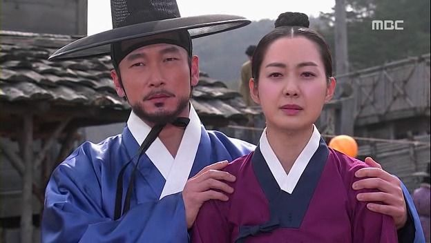 The King's Doctor (Hangul: 마의; hanja: 馬醫; RR: Ma-ui; lit. Horse Doctor) is a 2012 South Korean television series depicting Baek Gwang-hyeon (1625–1697), Joseon Dynasty veterinarian, starring Jo Seung-woo and Lee Yo-won. It aired onMBC.The life of a Joseon-era low-class veterinarian specializing in the treatment of horses, who rises to become the royal physician in charge of the King's health. 이성하 이상우와강지녕 이요원