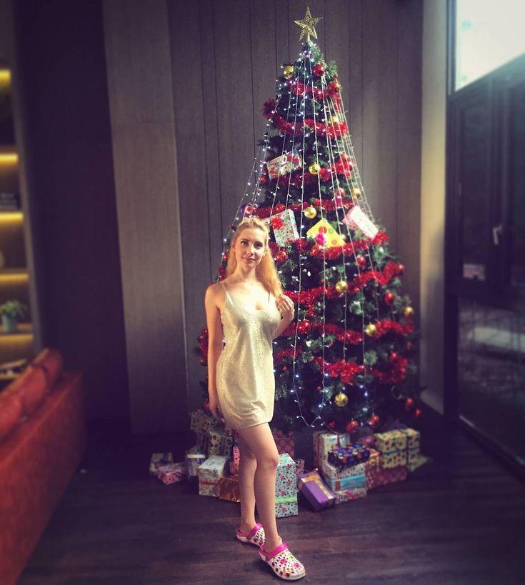 """30.8 mil Me gusta, 554 comentarios - 🎉💞Alissa💞🎉 (@alissaofficial_) en Instagram: """"Sí, soy totalmente consciente de que llevo unas zapatillas ridículas en esta foto, pero son…"""""""