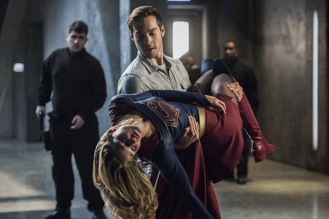 "Supergirl: Teri Hatcher and Kevin Sorbo Featured in ""Star-Crossed"" Photos"