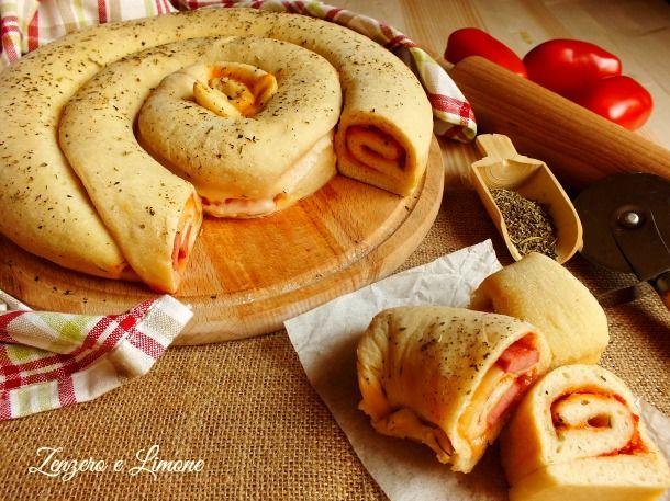 Chiocciola+di+pizza+doppio+gusto