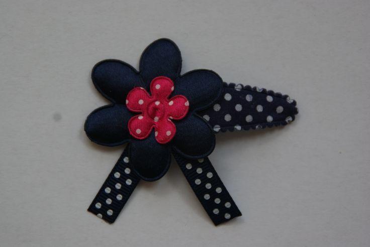 Mooi haar knipje in het donker blauw met roze www.lotenlynn.nl https://www.facebook.com/lotenlynnlifestyle