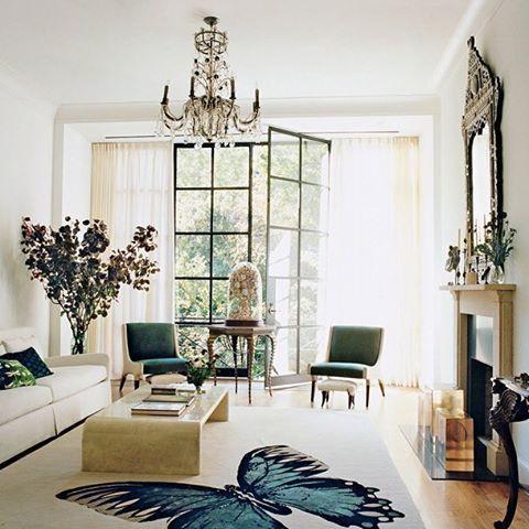 Papillon by @tarabernerd in Tabitha Simmons' Manhattan home. Photograph by François Halard for @voguemagazine. #butterfly #transitional #interior #interiordesign