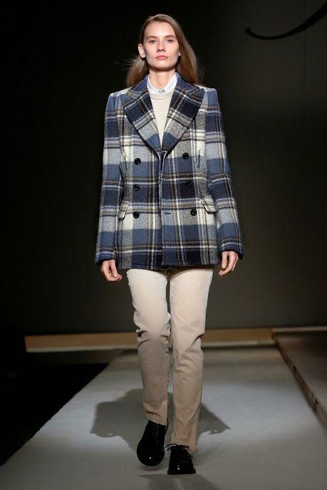 Fay Fashion Theatre - Women's Looks