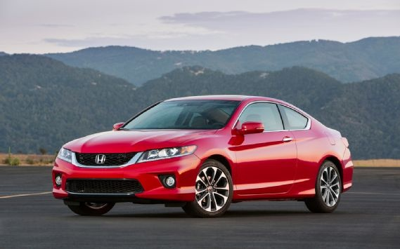 We think the 2013 Honda Accord EX-L V-6 Coupe is the best-looking version of the new Accord.