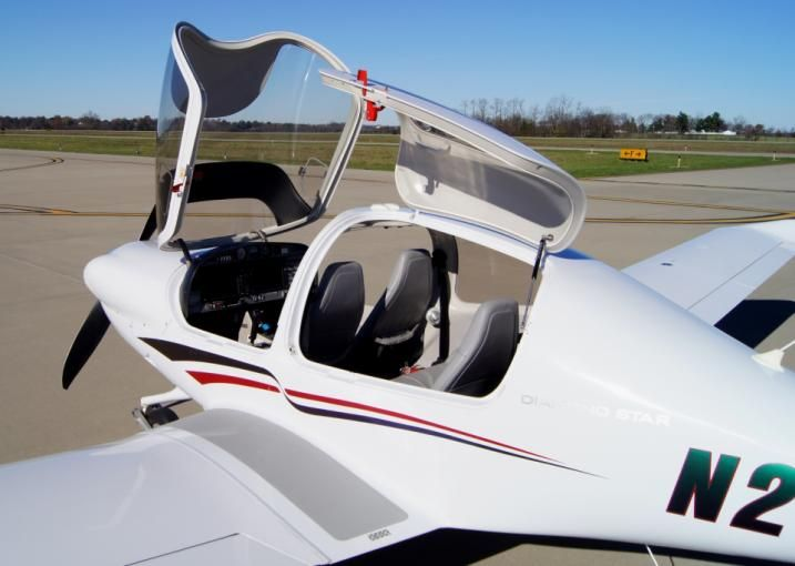 2006 Diamond DA40 for sale in (KLEX) Lexington, KY USA => http://www.airplanemart.com/aircraft-for-sale/Single-Engine-Piston/2006-Diamond-DA40/11803/