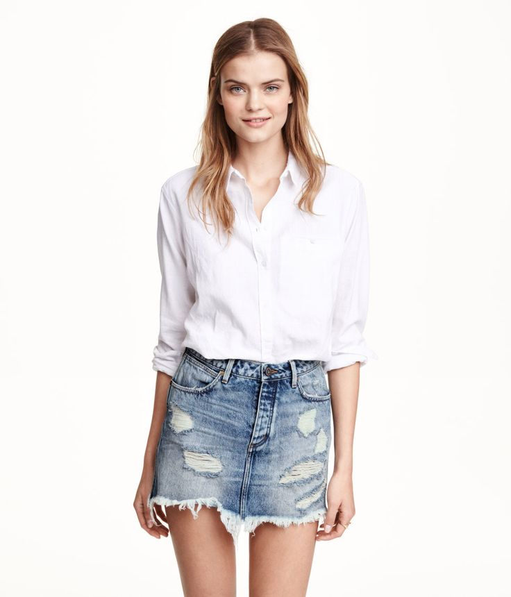 Distressed denim mini skirt with pockets & raw-edge hem. | H&M Denim