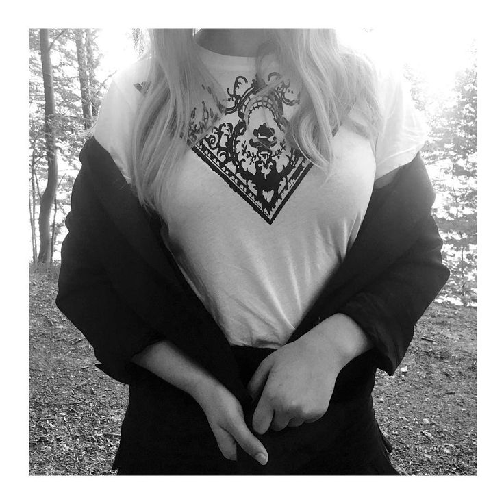 Black and white http://honeygold.eu/product/castle-t-shirt/