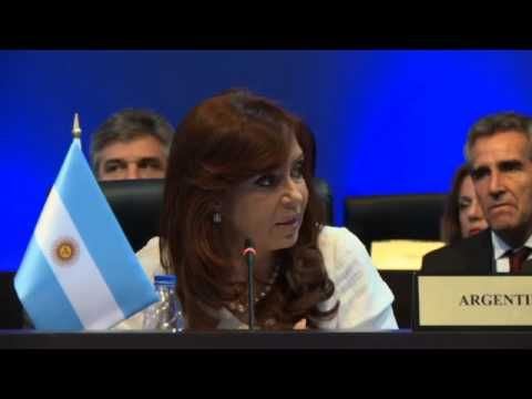"""La Presidenta en la Cumbre de las Américas: """"Sabemos de la negociación política que tiene que llevar a cabo Obama, pero si querían enfrentar a Venezuela deberían haber encontrado otra forma""""."""