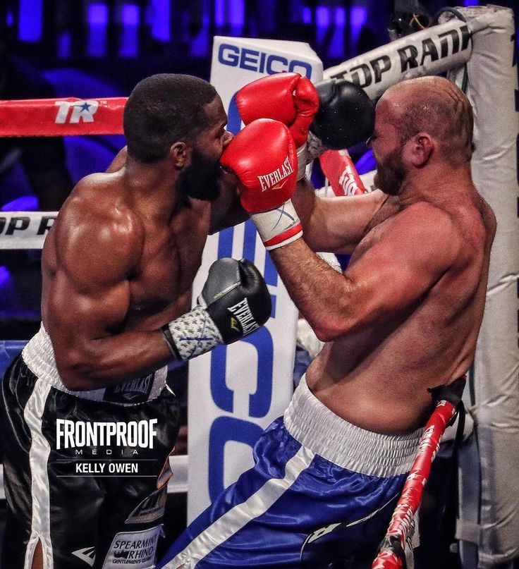 Heavyweight contender Bryant Jennings returned from 20-month layoff and dropped Daniel Martz three times en route to a second round stoppage victory in #nebraska  #CrawfordIndongo #boxing #boxeo #boxingheads #boxingfans #boxingday #boxingnews #boxinglife #boxinggym #boxingtraining #frontproof #frontproofmedia  Kelly Owen @k.o.fotos / Frontproof Media