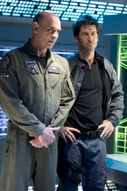 Colonel Steven Caldwell (Mitch Pileggi) - Major John Sheppard | Joe Flanigan  | Stargate: Atlantis