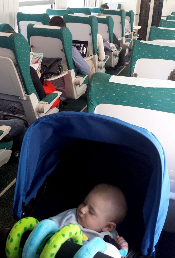 Viajar en tren con un #bebé #viajes #transporte #renfe