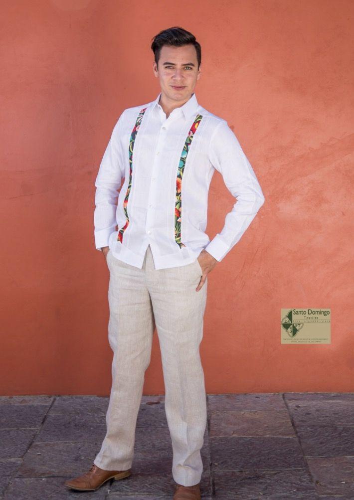Guayabera blanca 100%lino con bordado Istmo.