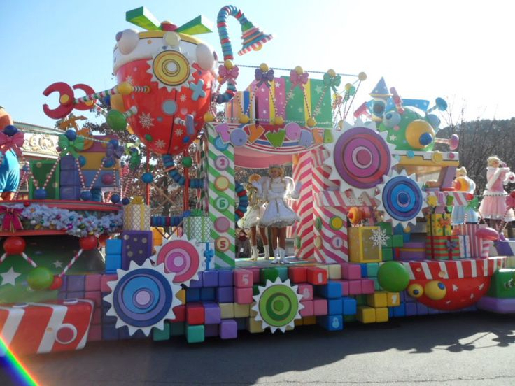 Candy Land Float Would Be Cute With Spinning Candy