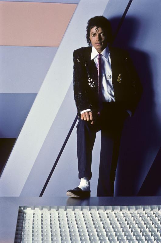 Photo shoot - Michael by Lynn Goldsmith, 1984 :) - The King of Style, Pop, Rock and Soul! - https://pt.pinterest.com/carlamartinsmj/
