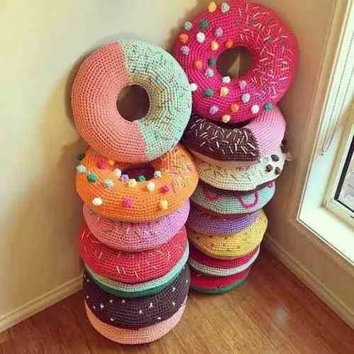 Almohadones Donas Donuts Tejidos Al Crochet - $ 490,00