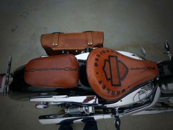 Borsa e sella in cuoio - Bag and leather saddle