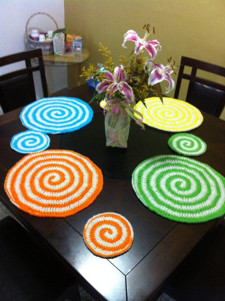 Mantel individual de mesa tejido en crochet t cnica de espiral siguiendo las instrucciones de - Individuales para mesa ...