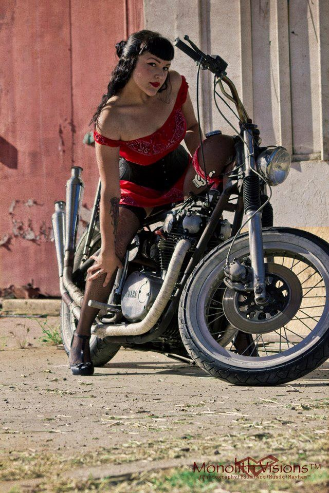 modern pin up girl on motorcycle tattoo ideas pinterest pin up girls girls on. Black Bedroom Furniture Sets. Home Design Ideas