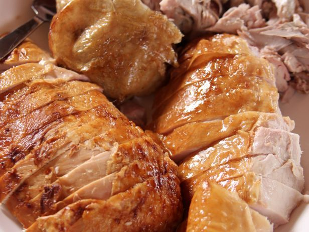 Maple Whiskey Turkey : Ree lets the pepper-studded brine impart the flavors of maple and whiskey into this dressed-up holiday bird, which she rounds out with her complementary Maple Whiskey Gravy.