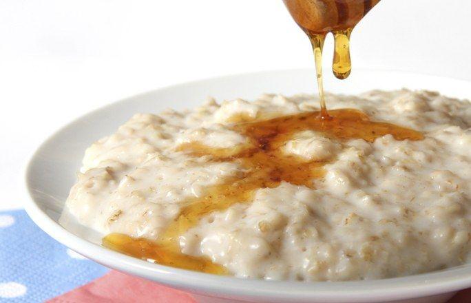 Gachas de avena con miel y semillas de chía - 12 recetas detox sencillas y ligeras -