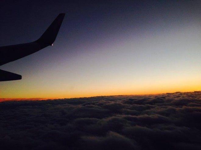 CAが伝授!機内で快適に過ごすコツ。CAのプライベート旅行での機内持ち込み荷物の中身をお教えします!