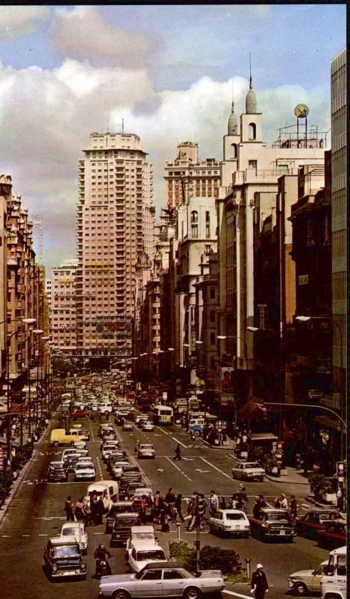 hacia 1970, imágenes retro, gran vía.