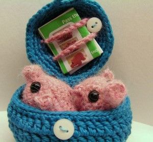 Pass the Piggies - Bring the family together with free crochet game patterns! #crochet