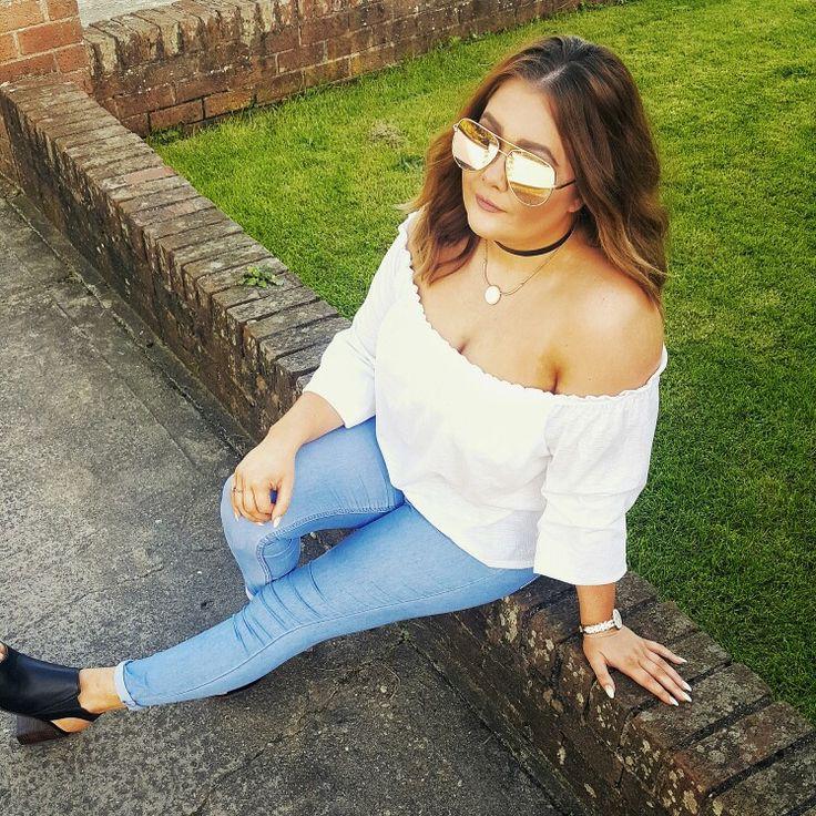 White Bardot Top, light blue topshop joni jeans, matalan peep toe boots. Rose Gold High Key sunglasses by Desi Perkins X Quay Australia