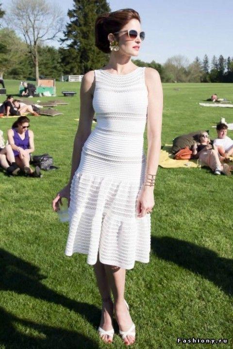 (+1) сообщ - Короткие белые платья и стильные образы | Мода