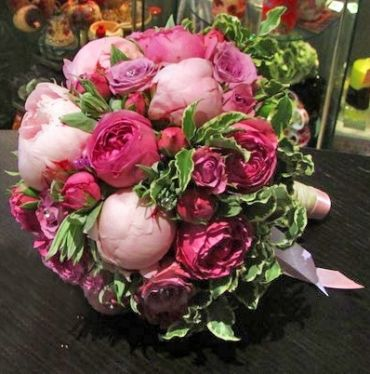Свадебный микс роз и пионов