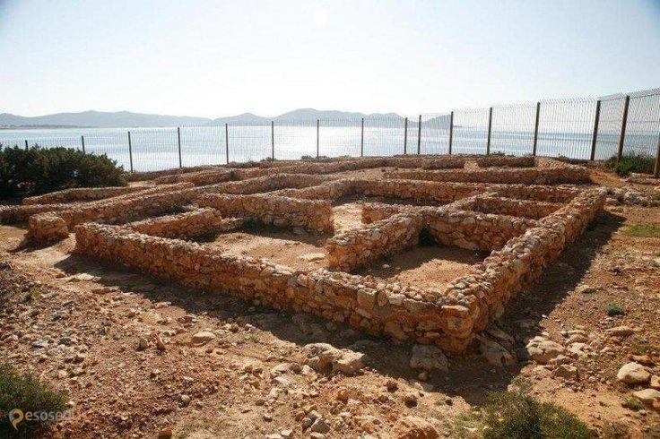 Финикийские руины Са Калета – #Испания #Балеарские_острова #Сан_Хосе (#ES_PM) Руины городка финикийцев античных времен http://ru.esosedi.org/ES/PM/1000477546/finikiyskie_ruinyi_sa_kaleta/