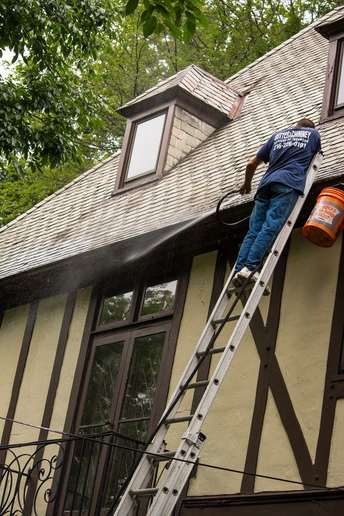 The Cost Of Roof Cleaning https://baileykubary.wordpress.com/2017/03/21/the-cost-of-roof-cleaning/