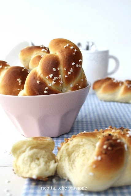 ricotta...che passione: Nodini di pane dolce