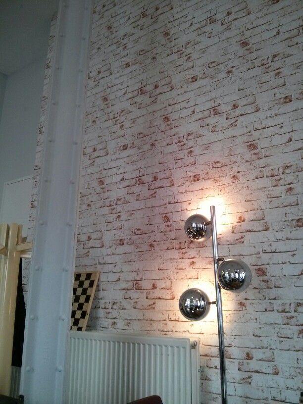 Gevonden in Haarlem bij Wolkers: stenen muur-behang. #wallpaper #stone wall. Foto: ©Natascha Amesz