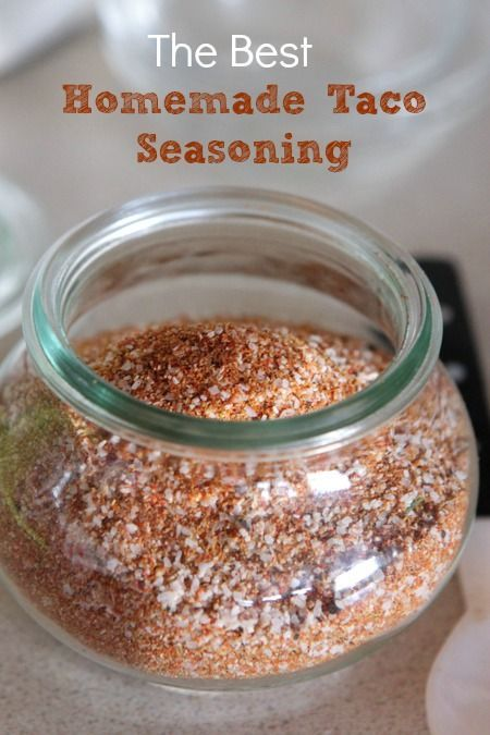 The BEST Homemade Taco Seasoning!! So easy, only 5 ingredients, and it's so easy to keep on hand and just pull out of the pantry whenever I need taco seasoning! Great for chicken, ground beef, and even pulled pork!