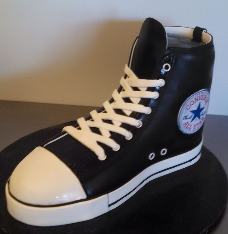 converse shoes cake