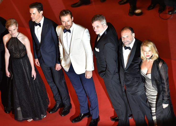 "(FromL) Australian actress Angourie Rice, US actor Matt Bomer, Canadian actor Ryan Gosling, US director Shane Black, US producer Joel Silver and his wife US producer Karyn Fields pose as they arrive on May 15, 2016 for the screening of the film ""The Nice Guys"" at the 69th Cannes Film Festival in Cannes, southern France.  / AFP / LOIC VENANCE"
