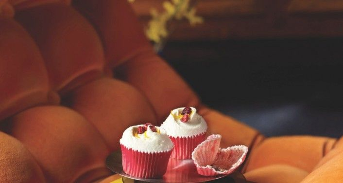 White Chocolate and Cranberry Cupcakes - Hummingbird Bakery Videos & Tips