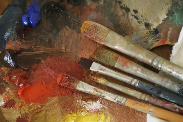 Here are 10 great tips that will help the beginner oil painter get started with this rewarding medium!