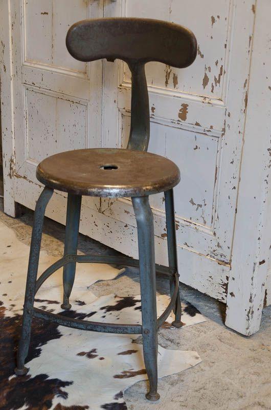 chaisenicolle brocante de la bruy re pinterest rustic industrial industrial et. Black Bedroom Furniture Sets. Home Design Ideas
